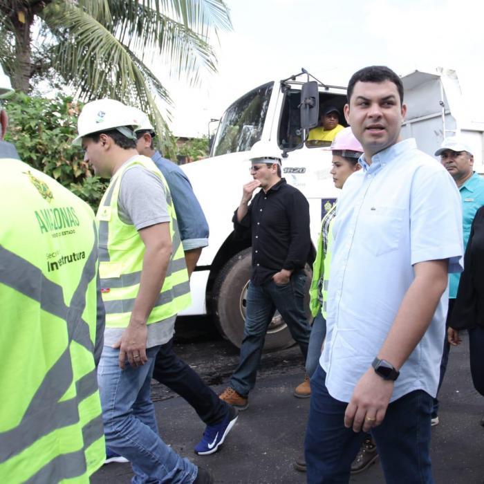 Saullo Vianna pede da Seinfra inclusão de ruas do Itaúna 1 e Itaúna 2 nos serviços de asfaltamento em Parintins