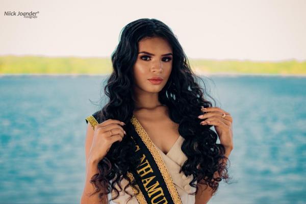 Wendelle Carvalho,  representante de Nhamundá no Miss Beleza intermunicipal 2019