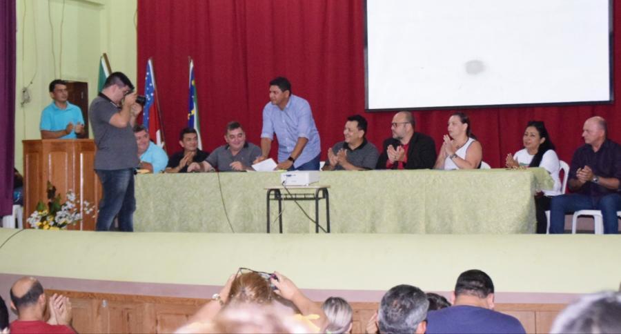 Bi Garcia anuncia comissão do concurso público da Prefeitura de Parintins