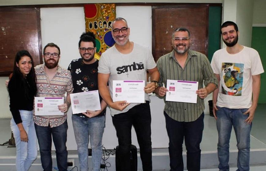 Carnavalescos do RJ descrevem artistas de Parintins como competentes e com preço baixo