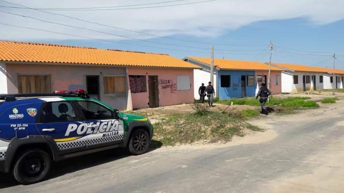 PM recupera veículo roubado e placas balísticas em invasão de Parintins