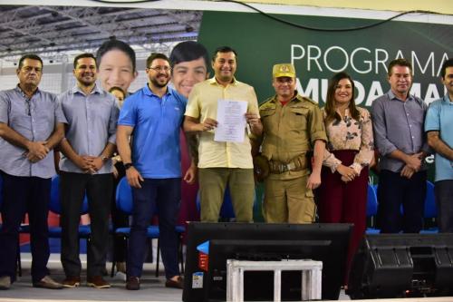 Wilson Lima anuncia convocação de 796 bombeiros médicos aprovados em concurso