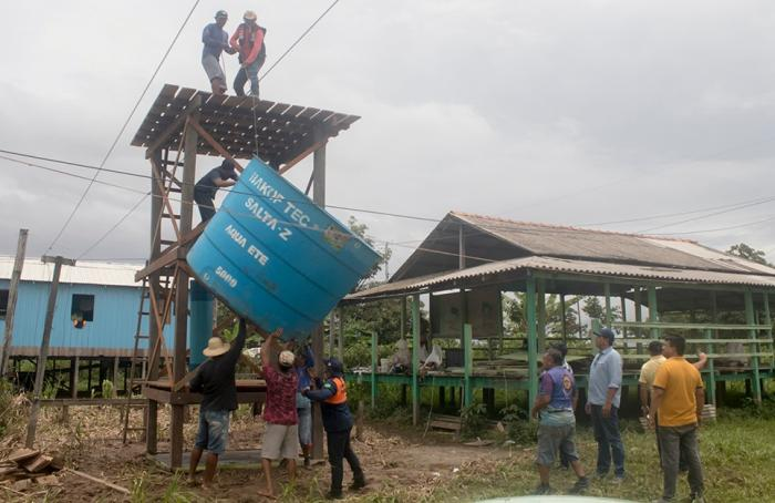 Bi Garcia vistoria obras em seis comunidades rurais de Parintins