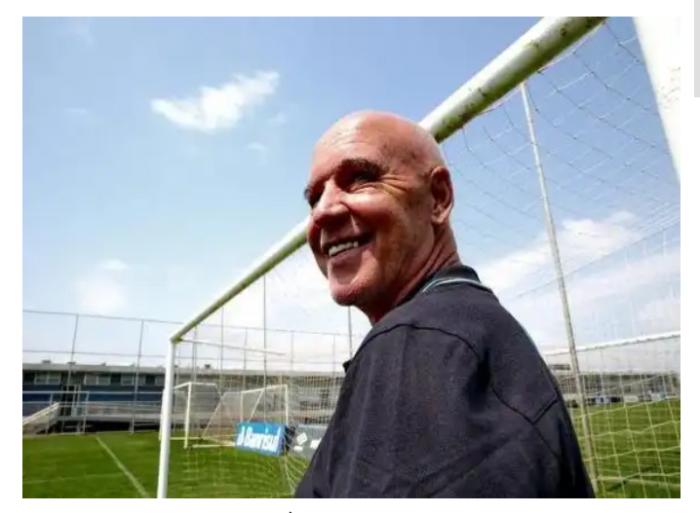 Aos 72 anos, morre Valdir Espinosa, técnico campeão do mundo pelo Grêmio