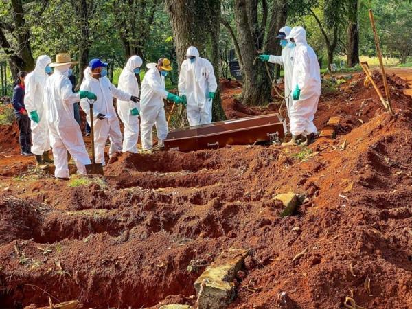 A vergonhosa estratégia de Bolsonaro para vencer a Pandemia