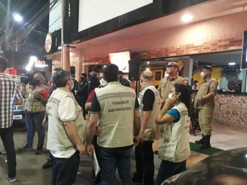 Fiscalização fecha 17 bares irregulares furando decreto governamental em Manaus