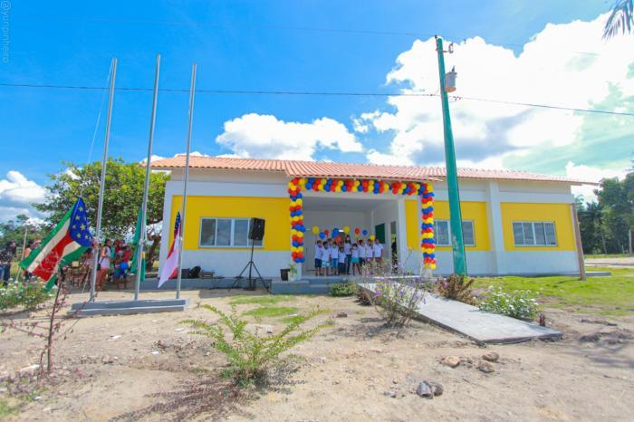 Chega a 12 as escolas padrão entregues por Bi Garcia na zona rural de Parintins- Am