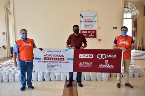 Amazonas recebe cerca de 40 toneladas de cestas básicas para distribuir a artistas