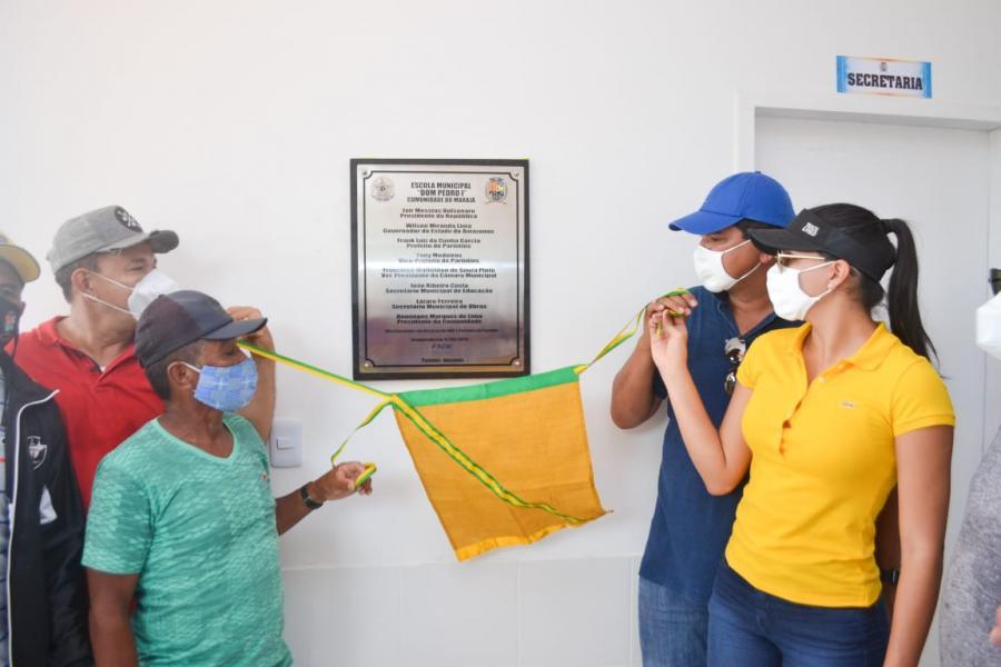 Bi Garcia inicia maratona de inaugurações em Parintins