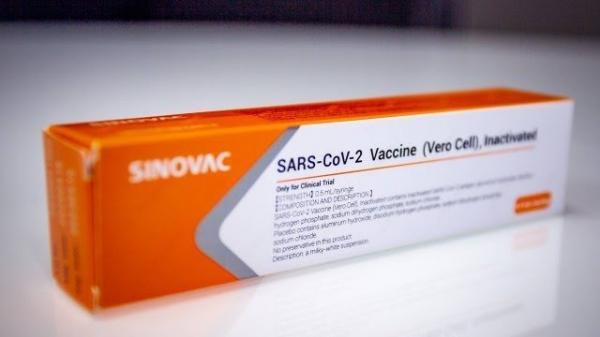 Primeiras doses da vacina CoronaVac chegam ao Brasil em uma semana, diz governador de SP