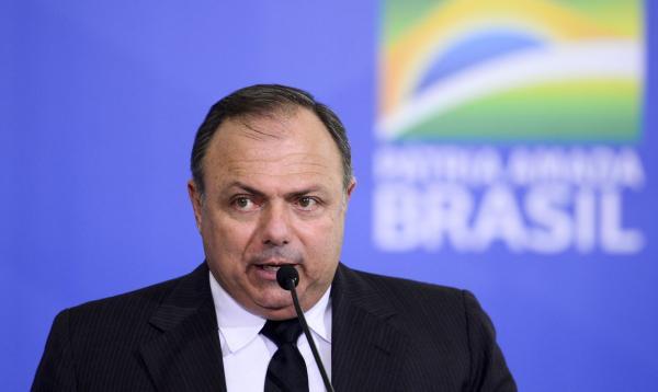 Ministério vai buscar vacina de excelência, diz Pazuello no Congresso